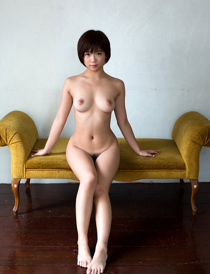 巨乳 ヌード 画像 12