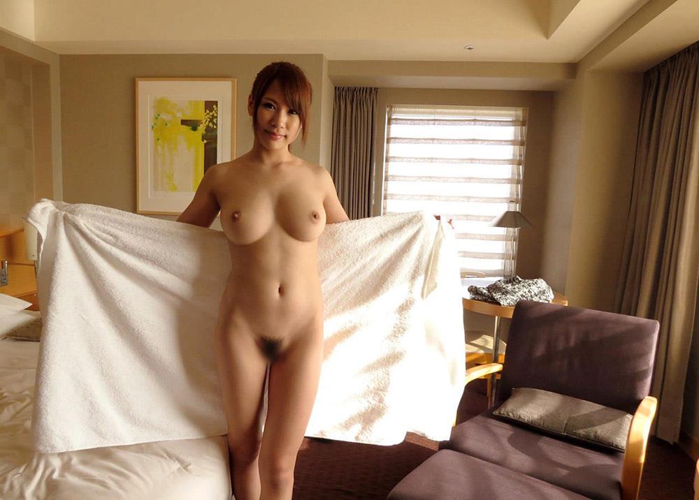 巨乳 ヌード 画像 18