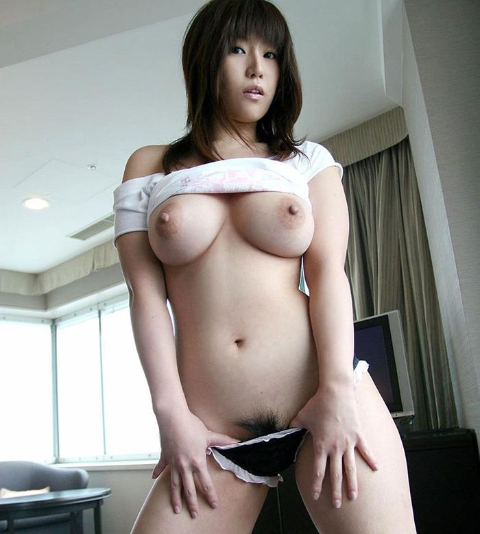 巨乳 ヌード 画像 2
