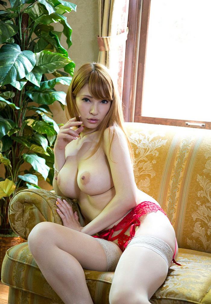 巨乳 ヌード 画像 35