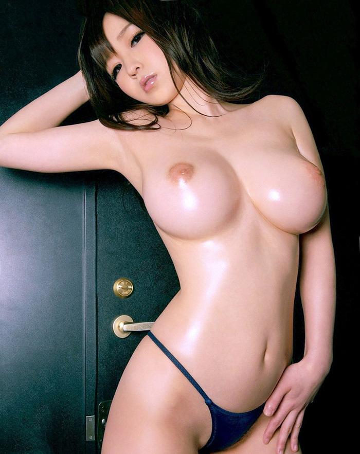 巨乳 ヌード 画像 38