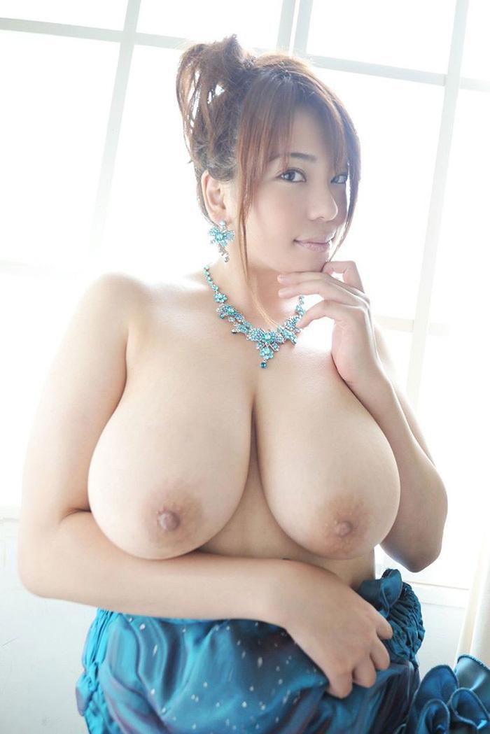 巨乳 ヌード 画像 51