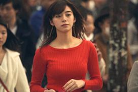 池田エライザ(21)の丸分かりの赤ニットボイン