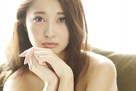 【大石絵理のキュートなお乳おへそ水着グラビア画像・動画】オトナ女子会!