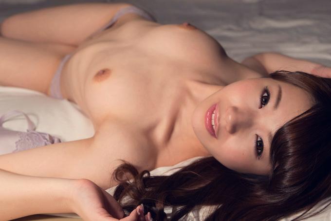 小鳥遊はる 可愛く舐めて激しく突かれて激イキ…セックス画像