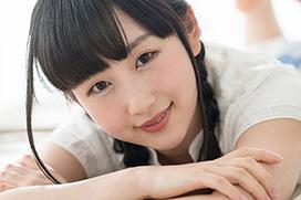 神坂ひなの 妹系アイドルが潮吹きまくりのAVデビュー画像