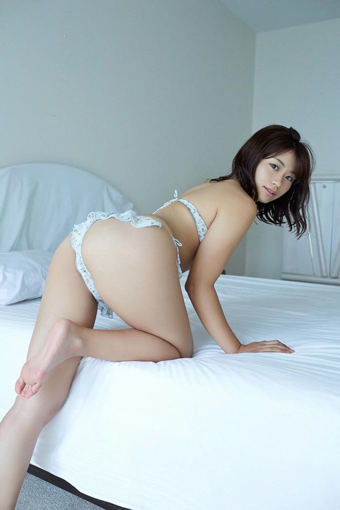 安枝瞳 お尻 画像 61