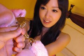 両手を縛り上げてハメる篠田ゆうエロ画像