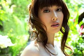 グラドル・小林恵美(32)の過激グラビア画像大量!ビショビショに濡れた身体がドスケベ過ぎるwww