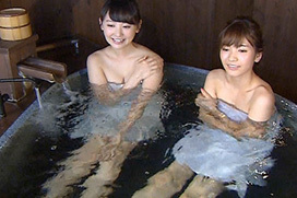 ほのか(20)、温泉入浴シーンでマン毛チラ放送事故!やらかしてるなwwww