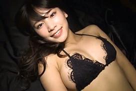 久松郁実 ランジェリー画像51枚!際どいエロ下着でハミ乳とハミ尻wwww
