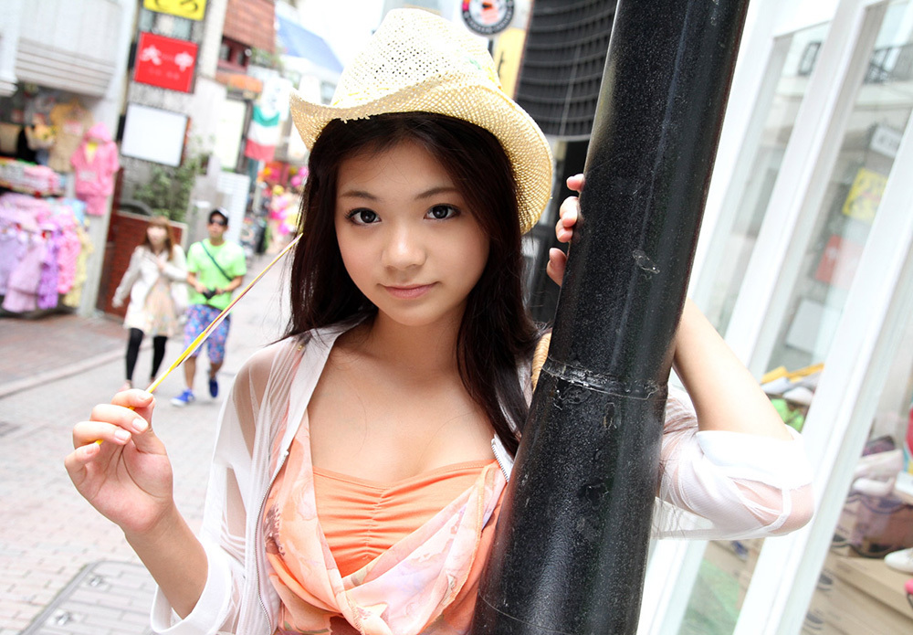 鶴田かな 画像 1