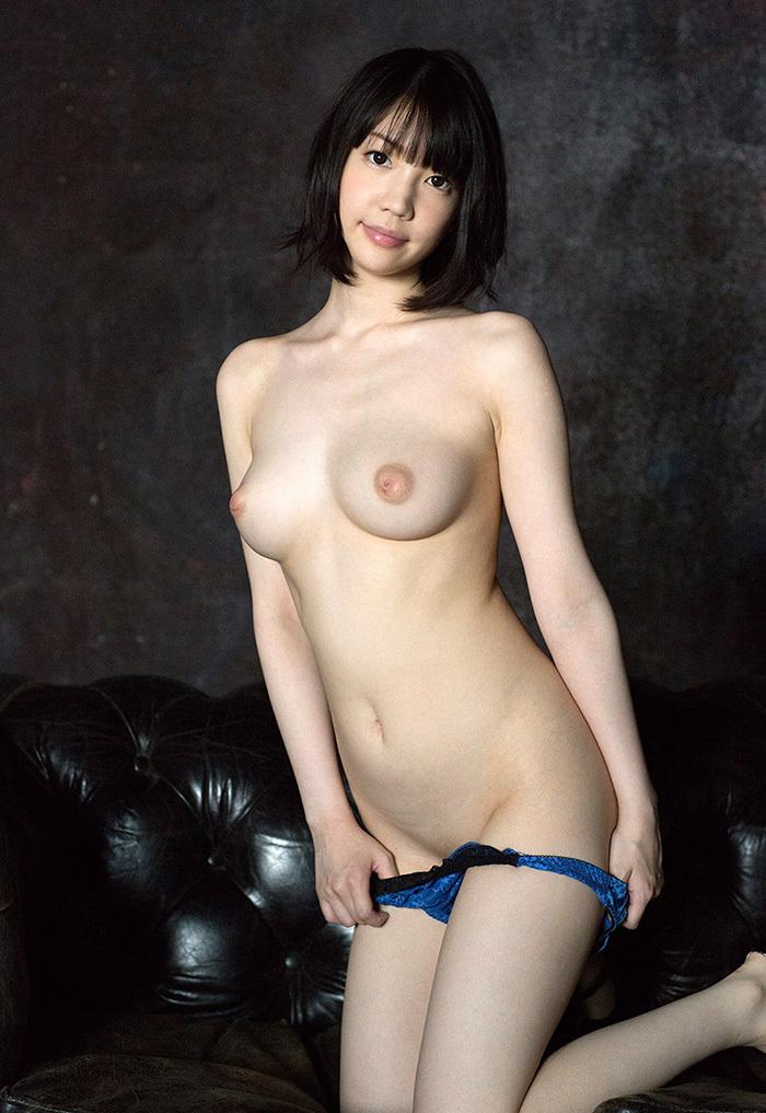 美麗グラビア × 鈴木心春 妖艶ヌード