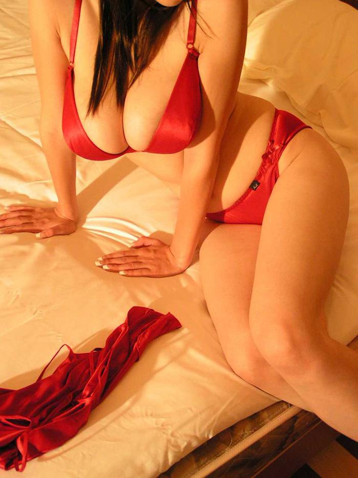 赤 ランジェリー 画像 4