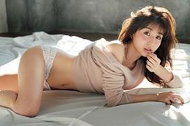 田中みな実アナ(30)、女性誌で下着姿になった!白の透け透けパンティがエッチだw