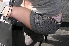 これだけパンチラしまくるのに…未だにローライズ履いちゃう女は痴女確定!?
