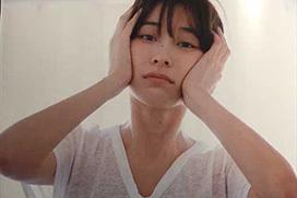 【流出】山崎真実(31)「私の乳首を見て…」⇒¥発売日に続々とネットに晒される写真集、全裸カットも…
