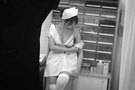 元AKB48永尾まりやがAV女優みたいなナースコスプレをインスタグラムにうp