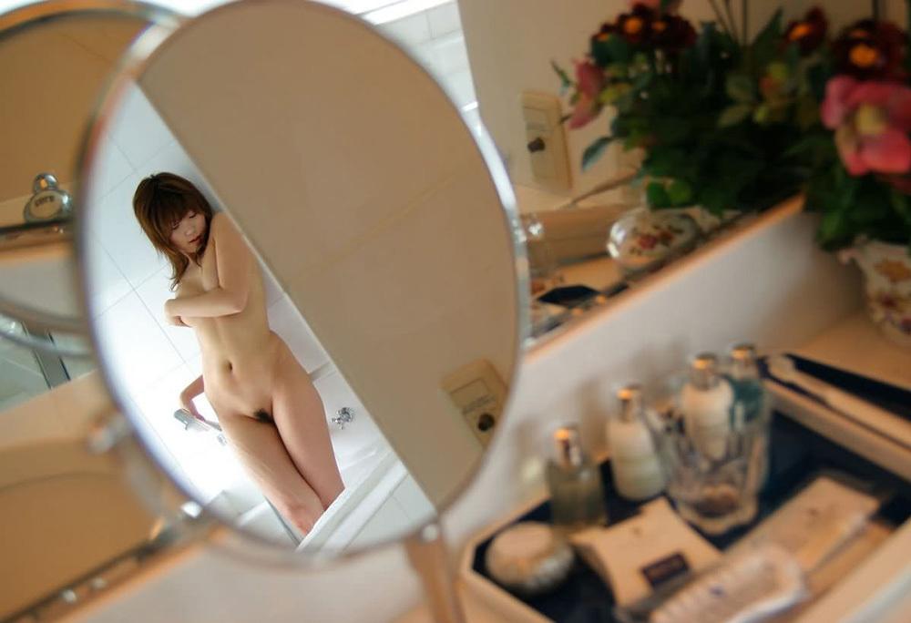 ヌード 鏡 画像 14