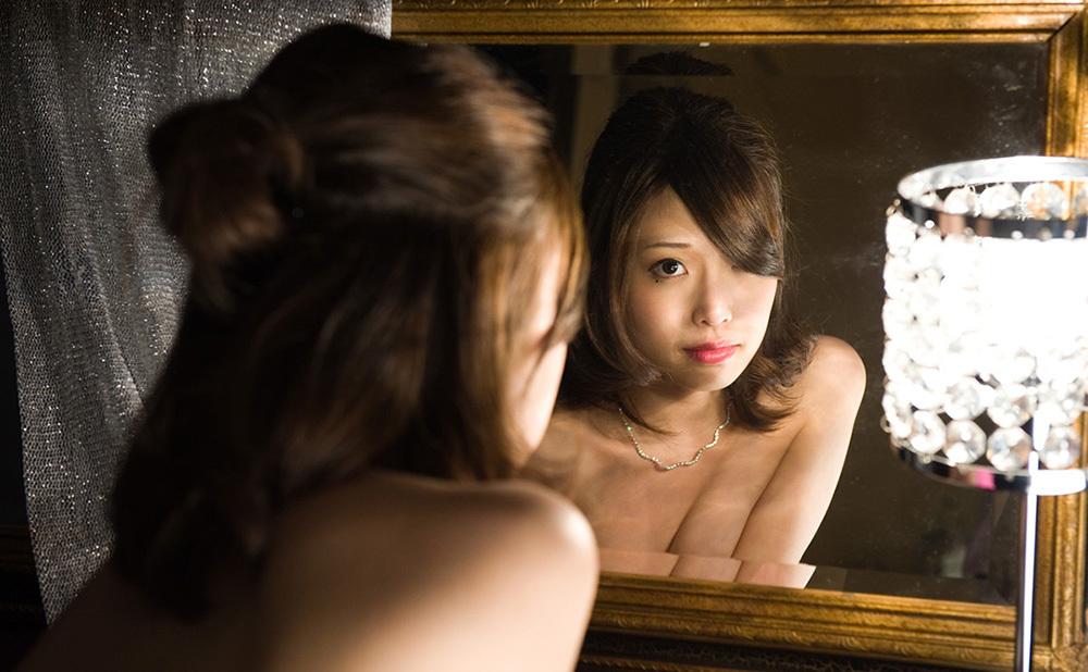 鏡 ヌード 画像 33