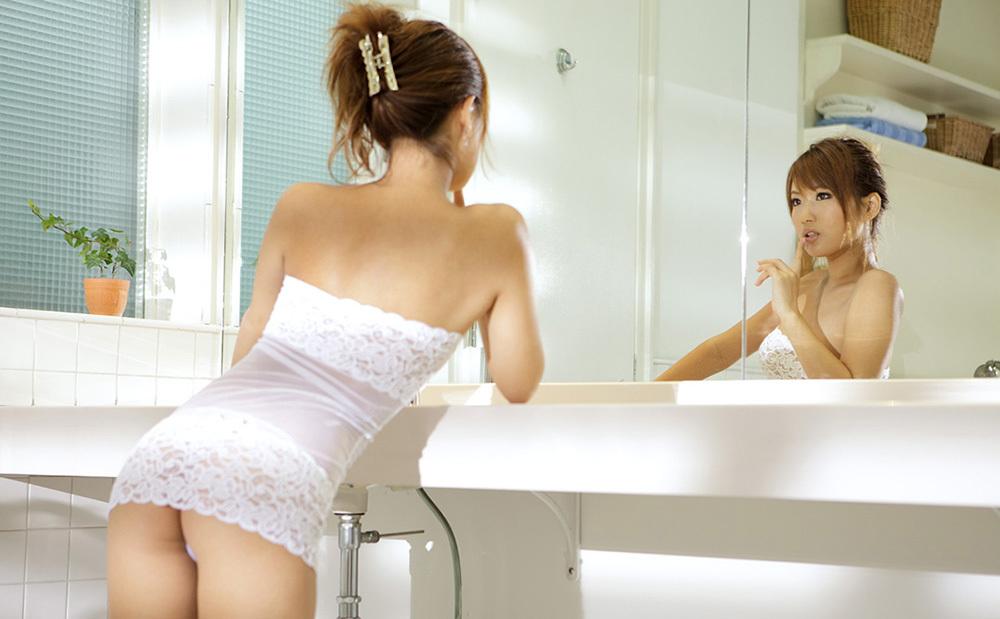 鏡 ヌード 画像 37