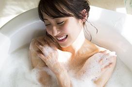 衛藤美彩の全裸入浴先行カット&最新水着グラビアがハイシコリティ!【エロ画像46枚】