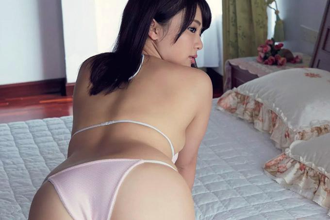 平嶋夏海 触れたい肉感ボディ…ムチムチダイナマイト!