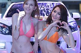 AV女優・水咲ローラ&水沢ののがタイのオートサロンでセクシーカーウォッシュwwwww(※動画あり)