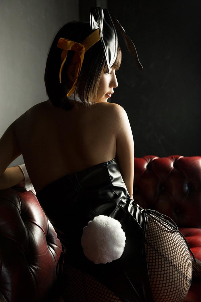 湊莉久 バニーガール 画像 20