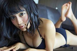 小島瑠璃子(22) 黒髪美少女の黒ビキニ。画像×15