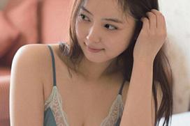 佐々木希、新作下着グラビア&入浴ショット公開!「谷間すごい!」「ベッドシーンが完全に事後・・・」