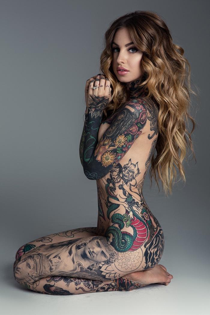 タトゥー ヌード 画像 39