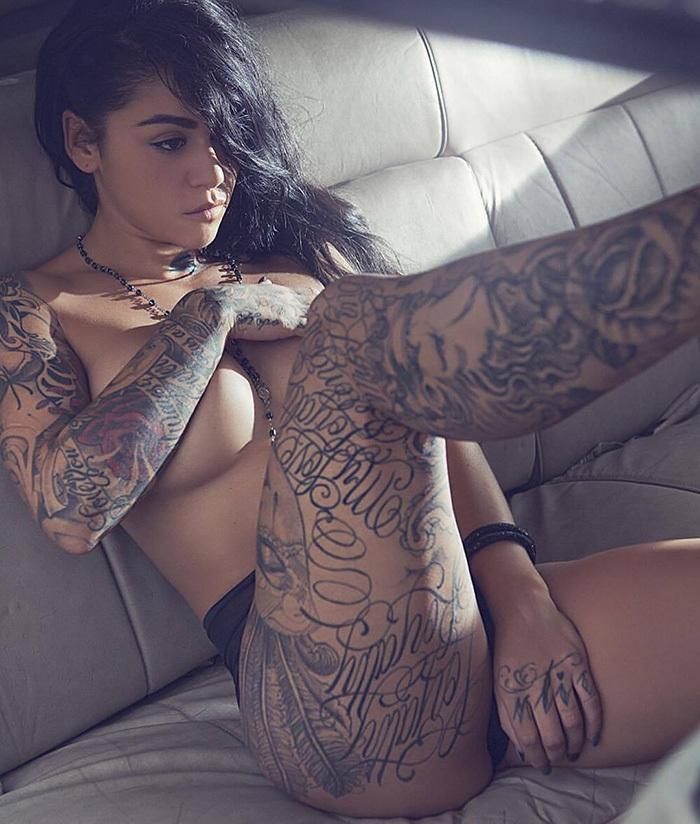 タトゥー ヌード 画像 45