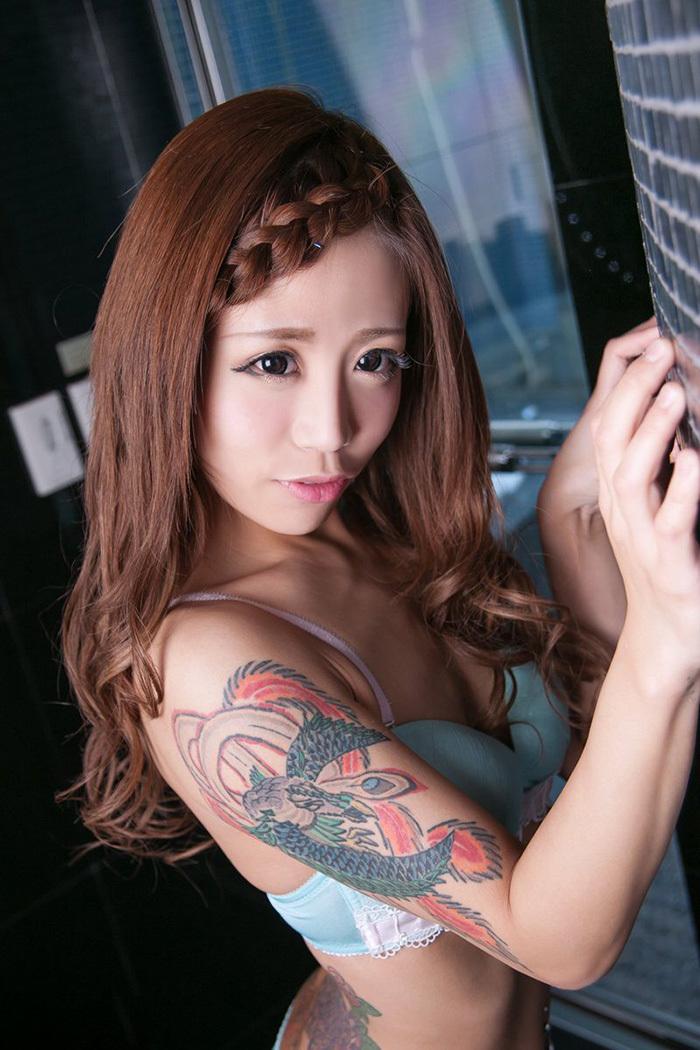 タトゥー ヌード 画像 60