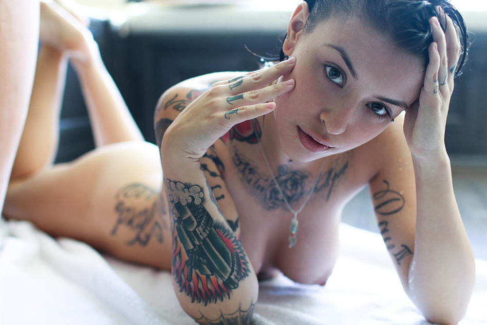 タトゥー ヌード 画像 68