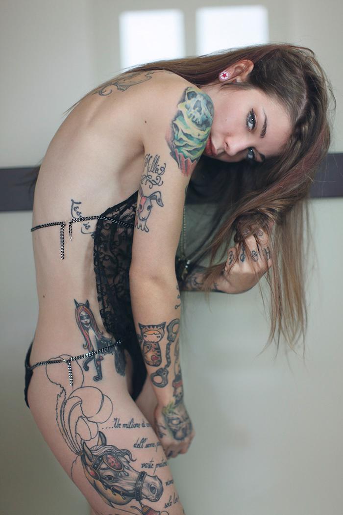 タトゥー ヌード 画像 72