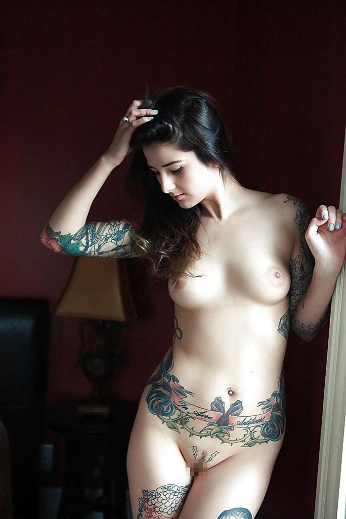 タトゥー ヌード 画像 85