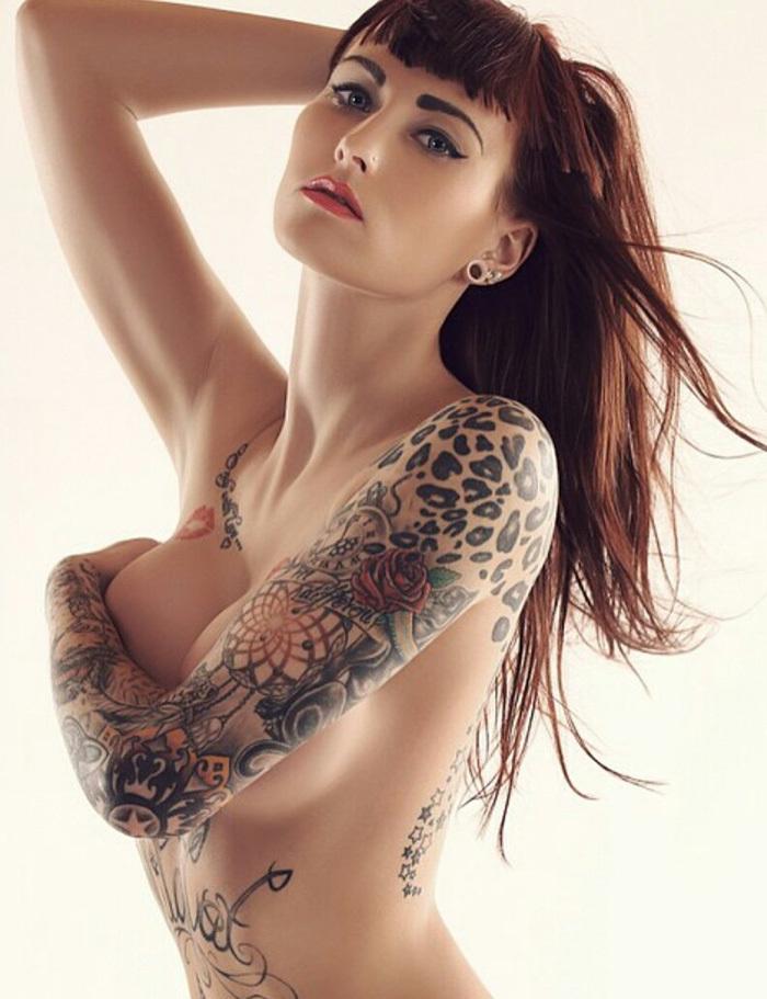 タトゥー ヌード 画像 96