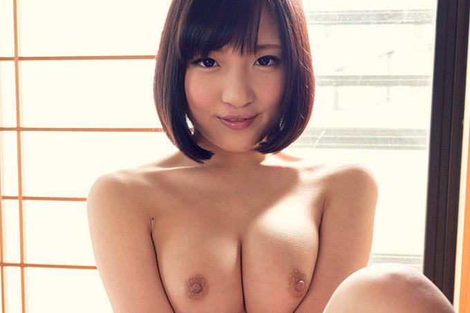 広瀬うみ 乳首を勃たせて感じまくる…セックス画像