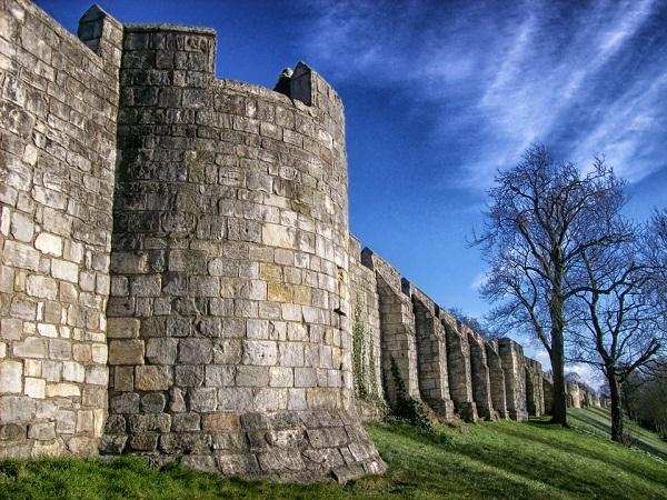 city-walls-164825_960_720[1]
