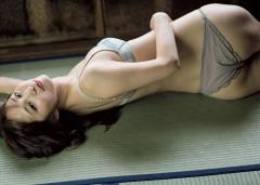 塩地美澄アナ、タオル1枚画像4