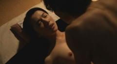 村川絵梨乳首濡れ場ヌード画像1