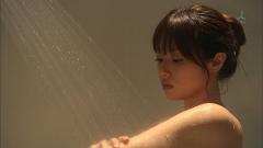 深田恭子シャワーシーンの谷間画像2