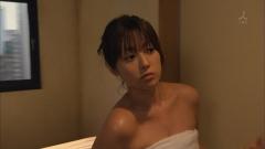 深田恭子シャワーシーンの谷間画像8