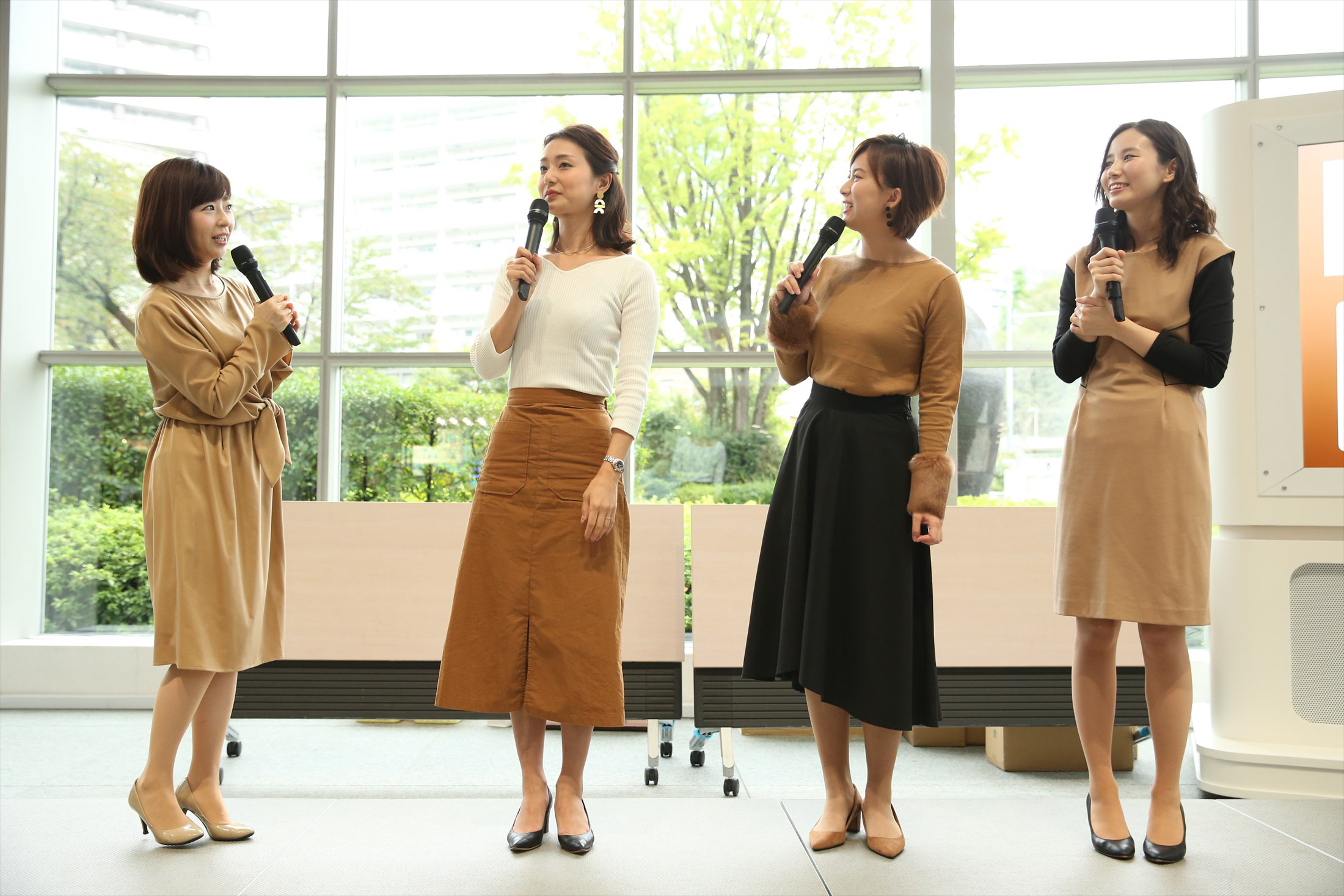 テレ朝女子アナのカレンダーお渡し会が開催される!!wwwwwwww
