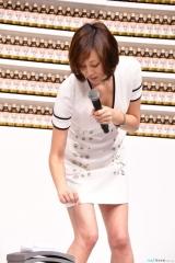 米倉涼子胸チラ画像8