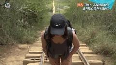 高梨沙羅タンクトップの谷間画像4