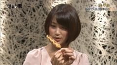 竹内由恵アナ超ミニスカ私服画像4
