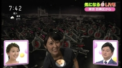 近江友里恵アナ胸チラ画像6