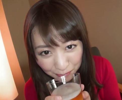 【人妻動画】(ヒトヅマキャッチ)アルコールが入ると大胆に変貌する純白のモデル奥さん☆